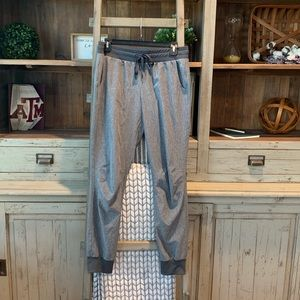 Gap women's G studio joggers size small